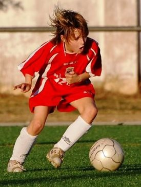 Individual soccer drills and exercises - youth playing soccer